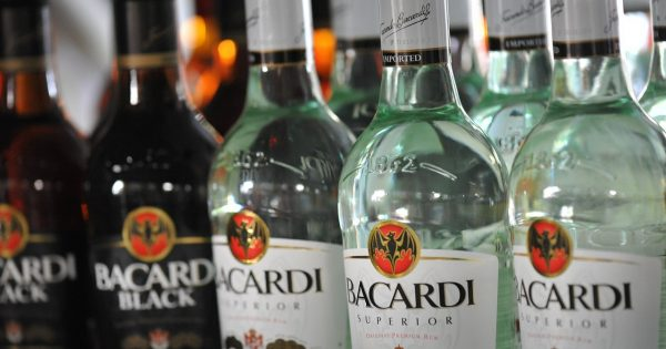 Botellas de Bacardi