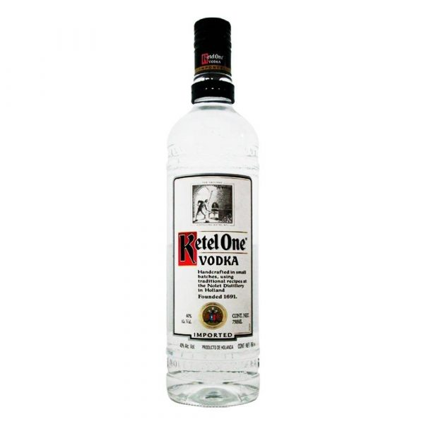 Botella de Ketel One